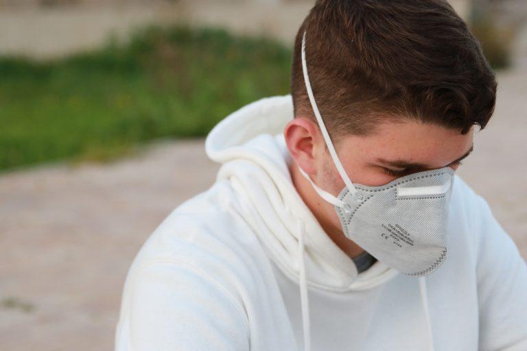 Crecen contagios Covid-19 en jóvenes mexicanos: Organización Panamericana de la Salud