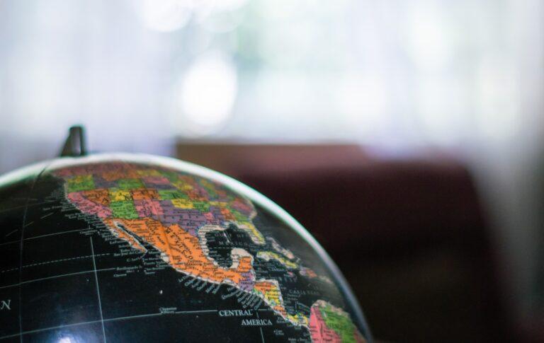 México cae al lugar 113 del Índice de Estado de Derecho; empeora en corrupción